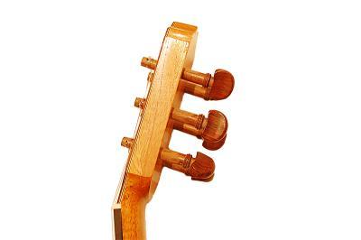 http://www.uppstromguitars.se/wp-content/uploads/2013/10/flamenco800-wpcf_400x266.jpg